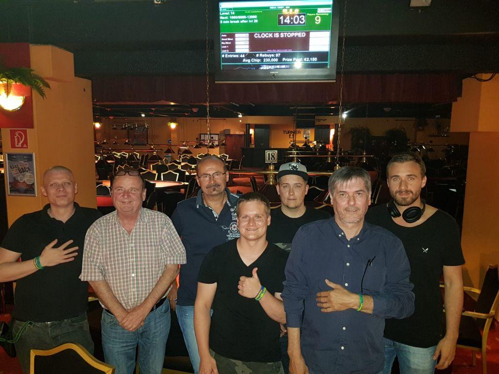 Erich Jambrich gewinnt die #moonHELPchallenge im Poker Royale