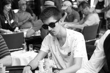 Daniel Prior führt am Final Table der NLH Poker EM