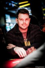 (c) Perusahaan poker / foto keren